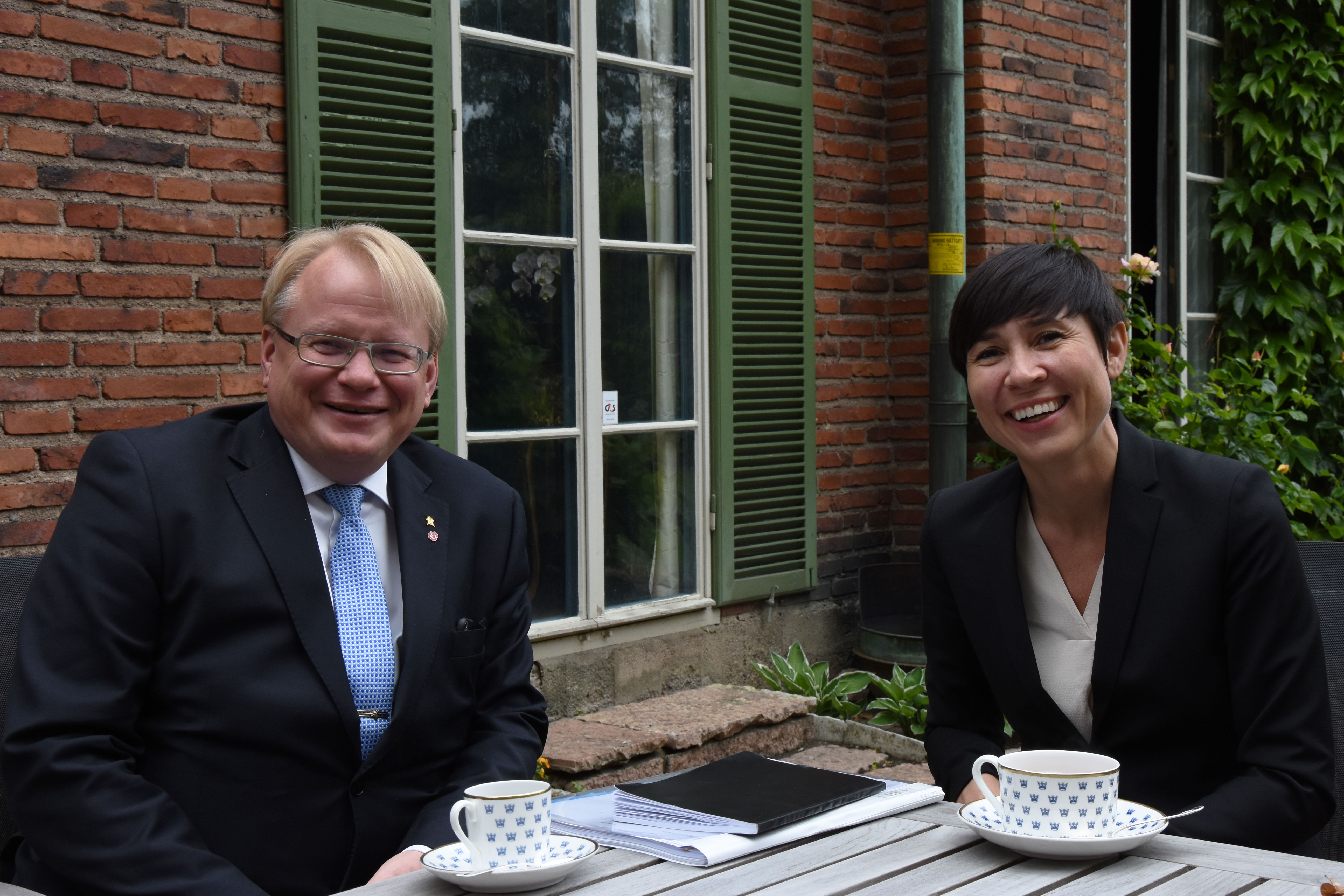 Minister for Defence Peter Hultqvist together with his Norwegian colleague, Minister of Defence Ine Eriksen Søreide.