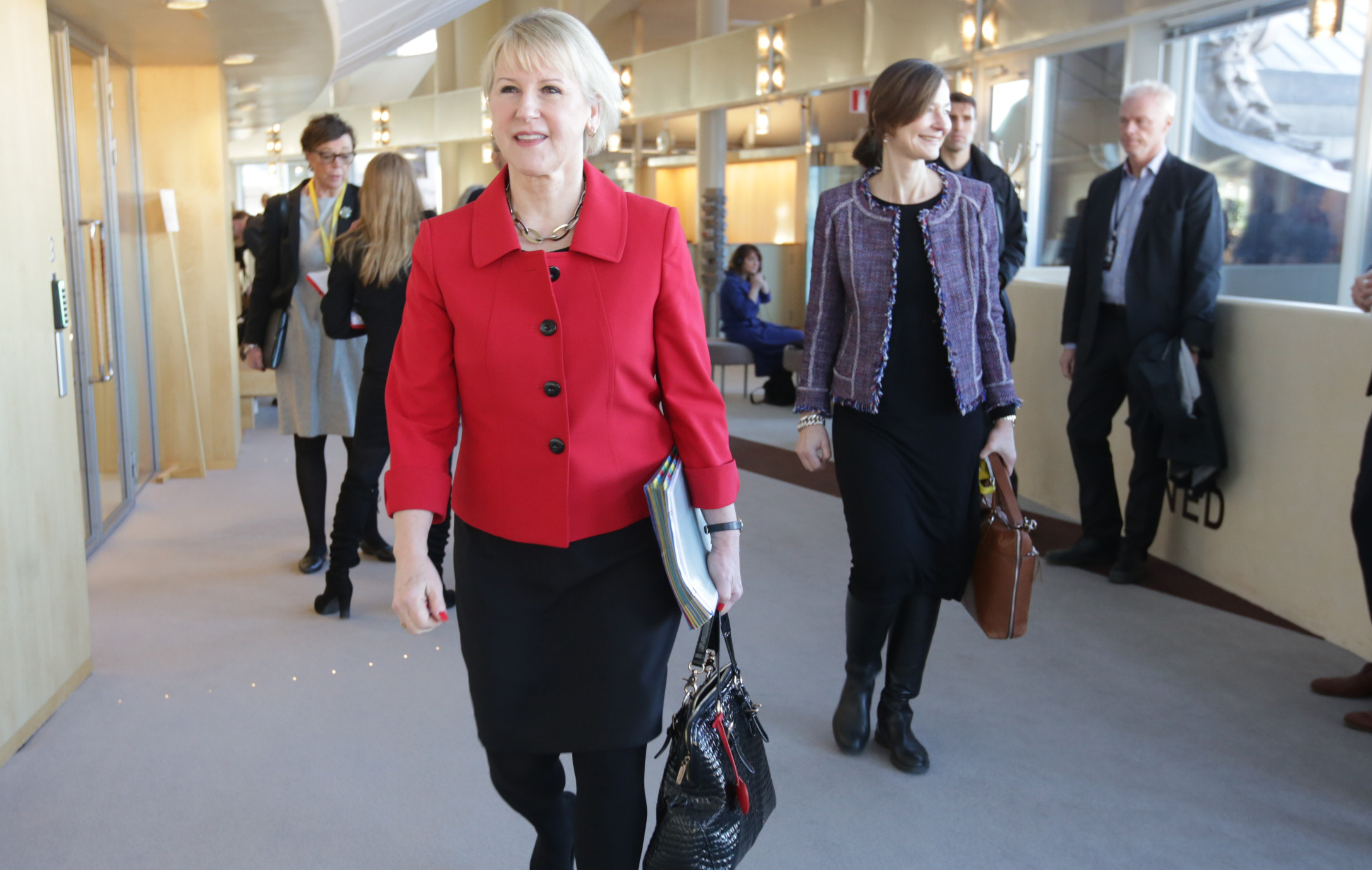 Minister for Foreign Affairs Mrgot WAllström on her way to the parliamentary debate.