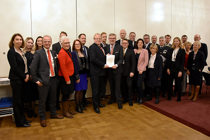 The Swedish Defence Commission presented the report Resilience - the total defence concept and the development of civil defence 2021-2025