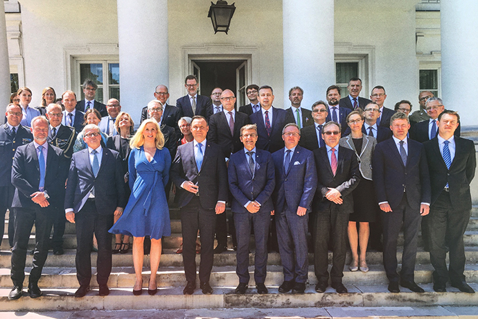 Participants in the Polish-Swedish roundtable on security policy.