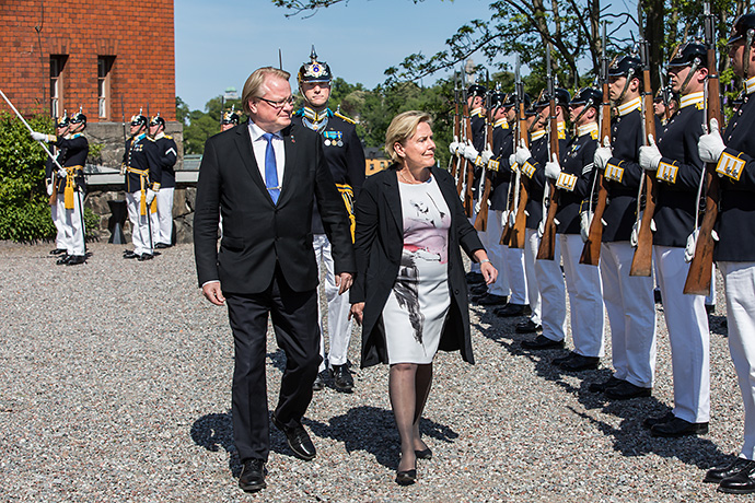 Minister for Defence Peter Hultqvist and his Dutch colleague Ank Bijleveld-Schouten