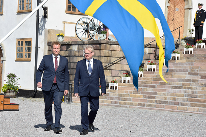 Peter Hultqvist received Finland's new Minister of Defence Antti Kaikkonen at Karlberg Palace