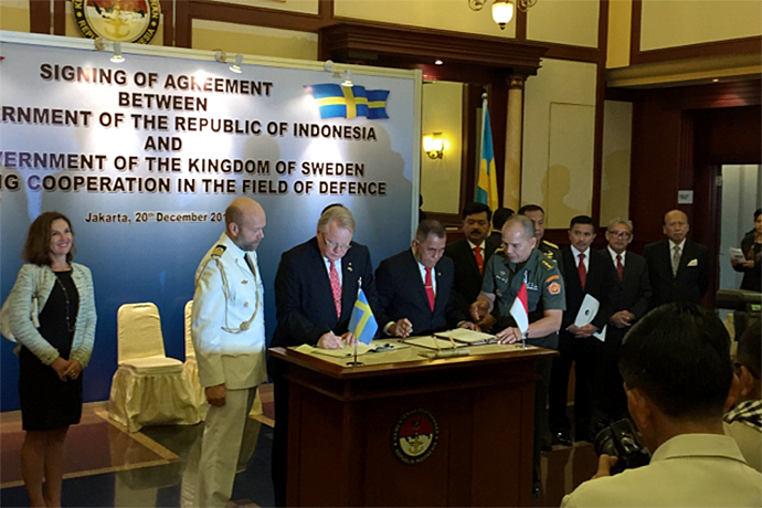 Minister for Defence Peter Hultqvist and his Indonesian counterpart Ryamizard Ryacudu signed a Memorandum of Understanding in the field of defence