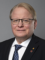 Peter Hultqvist, Minister for Defence