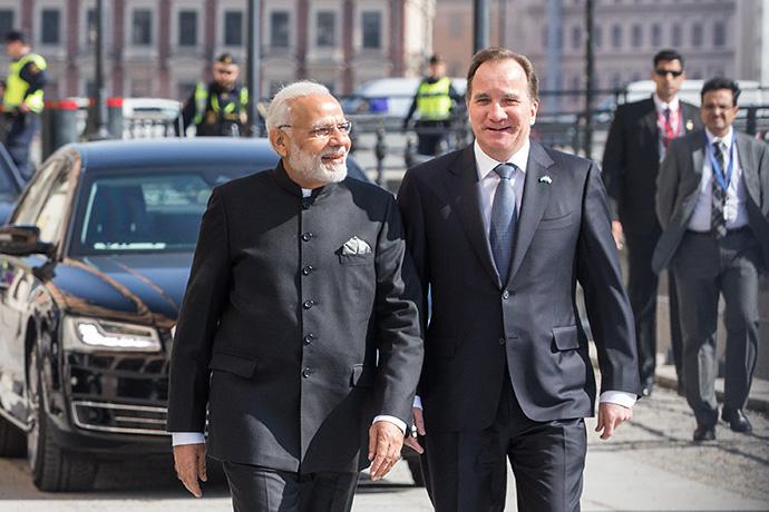 Prime Minister Löfven and Prime Minister Modi outside Rosenbad.